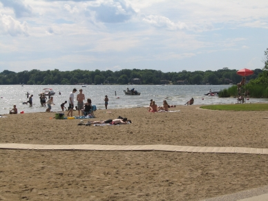 Lake Minnewashta beach